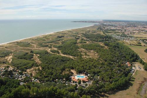 Camping 3 étoiles en Vendée avec accès direct à la plage