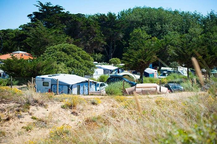 emplacement ensoleillé du camping
