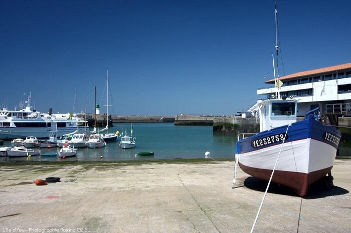 Port paisible de l'île d'Yeu