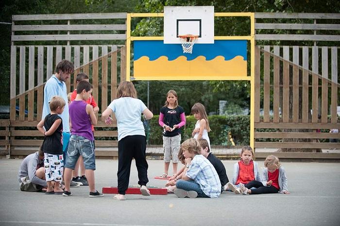 Espace jeu pour enfants au camping à Saint Gilles Croix de Vie
