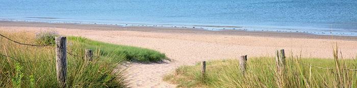 sentier accès à la plage proche du camping