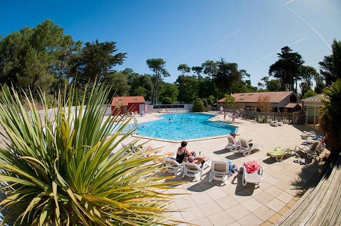 location confortable avec piscine en Vendée